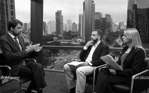 """Sociedade busca líderes fora da política tradicional"", diz Fernando Schüler"