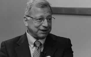 """""""O Brasil não gasta pouco em educação, gasta mal"""", diz Claudio Haddad"""
