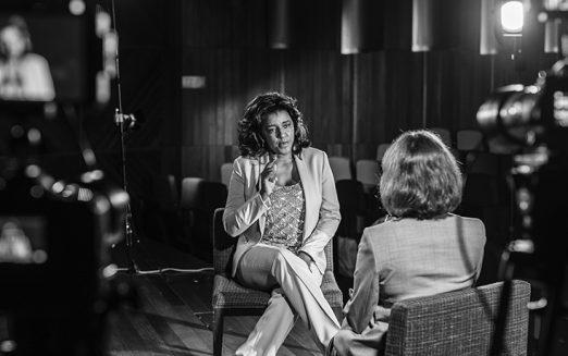 Pouco espaço para mulheres nas empresas é um problema social